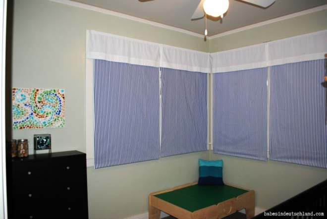 Babes in Deutschland, Cover roller blinds with fabric for an inexpensive punch of color in a room