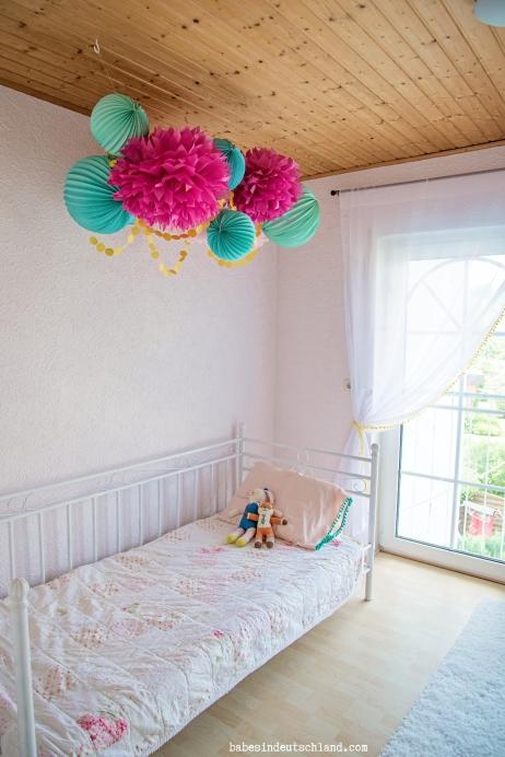 Babes in Deutschland, a light and lovely little girl's room