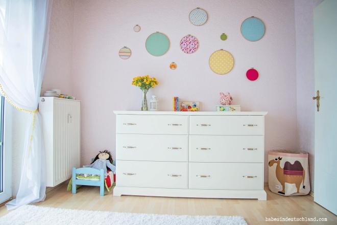 Babes in Deutschland, a light and lovely little girl's room