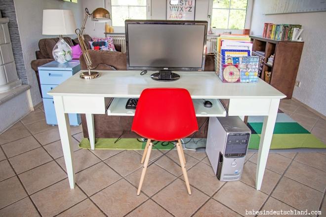 A simple preschool workstation