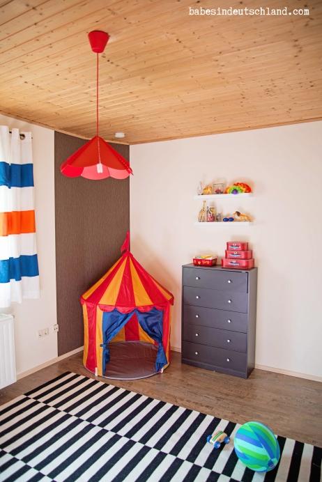 Babes in Deutschland, a playful circus room