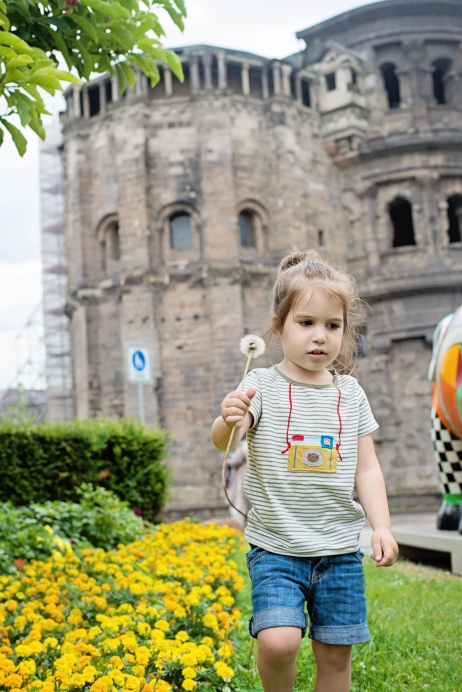 Babes in Deutschland, traveling in Trier, Germany with kids