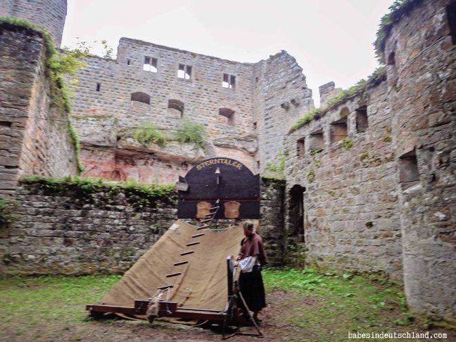 Babes in Deutschland, Gräfenstein Castle Medieval Festival