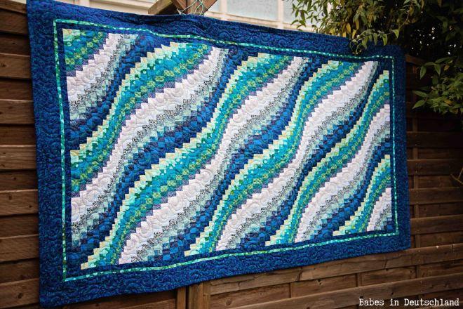 Bargello wave quilt by Babes in Deutschland
